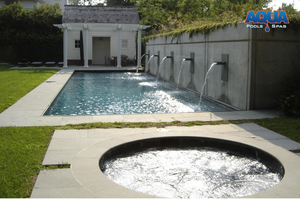 Another example of round spa near the pool.